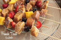 French Toast Kabobs | Crumbs and Chaos #breakfast #recipe #fruit  www.crumbsandchaos.net