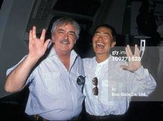 James Doohan (Scotty) and George Takei (Sulu) having fun making the ta'al sign (Vulcan hand salute). Note James' missing finger, which he lost as a soldier in WWII. Star Trek Actors, Star Trek Tv, Star Wars, Star Trek Movies, Star Trek Ships, Akira, Star Trek Images, Star Trek Original Series, Starship Enterprise