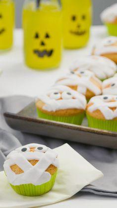 Muffins Halloween, Halloween Torte, Halloween Backen, Postres Halloween, Halloween Pizza, Halloween Buffet, Halloween Gif, Halloween Cupcakes, Happy Halloween