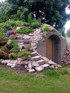 Maakellari Cottage Garden Design, Garden Landscape Design, Garden Buildings, Garden Structures, Small Natural Garden Ideas, Farm Landscaping, Underground Homes, Earth Homes, Earthship