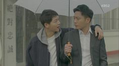 Descendants of the Sun Song Hye Kyo, Song Joong Ki, Drama Korea, Korean Drama, Rain Drama, My Annoying Brother, Descendants Of The Sun Wallpaper, 7 First Kisses, Kdrama