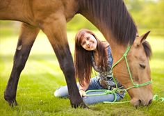 Graduation Pictures with Horses | Horse Senior Pictures - Seniors by Photojeania