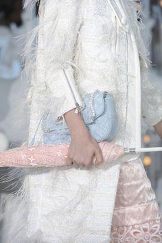 Browse Paris Fashion Week Spring 2012 pictures from the Louis Vuitton runway show. Pastel Fashion, I Love Fashion, Fashion Details, 3d Fashion, Paris Fashion, Coral Pantone, Pantone Color, Pantone 2016, Armani Prive