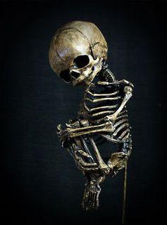 Artist Brian Demski Frightening Skeleton Sculptures : spooky skeleton art