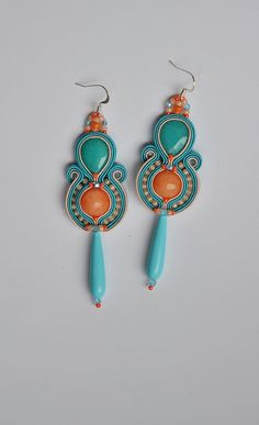 St Tropez - long light soutache boho earrings in salmon and light turquoise, pendientes soutache, orecchini soutache, boucles d'oreilles