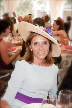 El blog de Suma Cruz Mature Women Fashion, Mother Of The Bride, Fascinator, Panama Hat, Hats, People, Weddings, Blog, Wedding Outfits