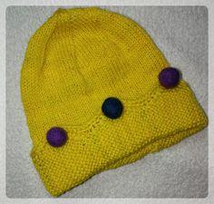 """Ich hatte mir von BC Garne """"Semilla"""" bestellt für eine Mütze. Es ist herrlich im Griff, es strickt sich wunderbar – ja, es kommt ein aber: mein erster Versuch, daraus eine Mütze &…"""