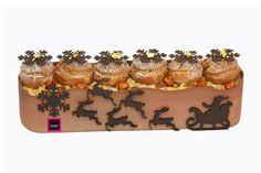 Bûche Flocon I Lionel Raux I Crémeux Dulcey, biscuit noisette, crèmes vanillées, sablé au spéculoos et crêpe dentelle émiettée. Choux garnis de crème pâtissière à la vanille. 29€ pour 6 personnes.