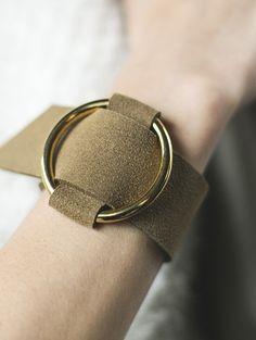 【Fake leather bangle】レディース レザー バングル