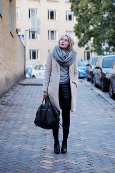 Leather shorts and teddy bear coat | Photo: Jenni Rotonen / Pupulandia