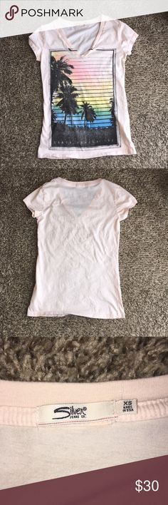 Silver Jeans Co. T-Shirt Size XS Silver Jeans Co  Size XS Gently Used Great Shape Smoke Free Home 🚭 Any Questions Don't Be Afraid To Ask.  If Interested Don't Wait For Me To Lower The Price Make A Reasonable Offer. Thank You For Stopping By My Closet‼️ 🛍*Happy Poshing*🛍 Silver Jeans Tops Tees - Short Sleeve
