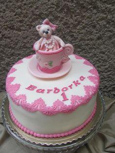 Macinka v šálke , bábiky a torty pre dievčatá torty | Tortyodmamy.sk
