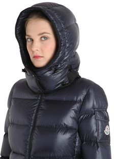 Detachable hood with snap button closure. Two zip pockets. Nylon lining . Moncler, Nylons, Down Parka, Snow Suit, Luxury Shop, Rain Wear, Winter Jackets, Puffer Jackets, Cool Girl