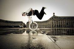 Le Superman de la Bourse by Sblourg.deviantart.com
