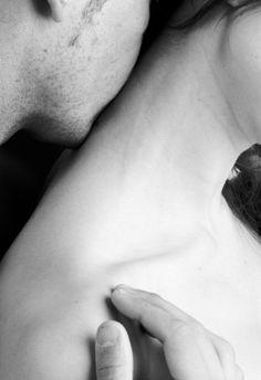 Un reposo claro Y all nuestros besos, Lunares sonoros Del eco, Se abriran muy lejos. Y tu corazn caliente, Nada ms. (Garca Lorca)