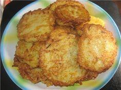 Le frittelle croccanti di patate sono dei deliziosi bocconcini fritti da mangiare come antipasto o come secondo e che vi faranno riscuotere un grande succe
