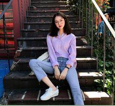 Korean Street Fashion, Korea Fashion, Asian Fashion, Girl Fashion, Ulzzang Fashion, Ulzzang Girl, Girl Photography Poses, Fashion Photography, Fashion Poses