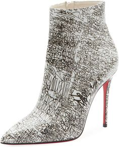 Bootie Boots, Shoe Boots, Christian Louboutin So Kate, Louboutin Shoes, Beautiful Shoes, Beautiful Outfits, Me Too Shoes, Weird Shoes, Fashion Shoes