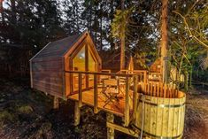 Glamping in a tree house on Lake Bled, Slovenia with whirlpool, sauna and breakfast only € 42 - Glamping in a tree house on Lake Bled, Slovenia with whirlpool, sauna and breakfast only € 87 - Bell Tent Camping, Camping Glamping, Camping Life, Campsite, A Frame House Plans, Sauna Design, Slovenia Travel, Haus Am See, Luxury Tents