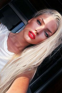 lips and bleach blonde hair