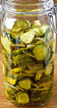 A wonderful, simple recipe for homemade refrigerator Bread and Butter Pickles. No canning equipment required! Just prepare and pop in the fridge! Ingredients: cups (about pounds) thinly sliced (about ¼-inch) pickling cucumbers tablespoons kosher salt 1 Bread & Butter Pickles, Bread N Butter, Homemade Bread And Butter Pickles Recipe, Home Made Pickles Recipe, Homemade Butter, Butter Mochi, Butter Pasta, Butter Icing, Cookie Butter