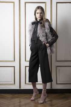 http://www.vogue.com/fashion-shows/pre-fall-2016/francesco-scognamiglio/slideshow/collection
