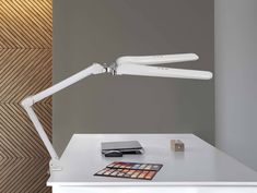 LED-Arbeitsplatzleuchte MAULcraft duo, dimmbar | maul.de Led Lampe, Light Fixtures, Energy Consumption, Frugal, Luminous Flux