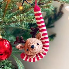 DIY Fluffies Amigurumi crochet tutorials & more. Cute Christmas Decorations, Cool Christmas Trees, Christmas Centerpieces, Scandinavian Christmas, Modern Christmas, Christmas Signs, Christmas Diy, Christmas Wreaths, Christmas Ornaments
