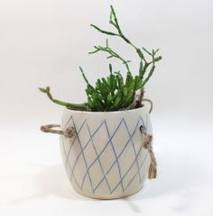 Lattice Hanging Planter