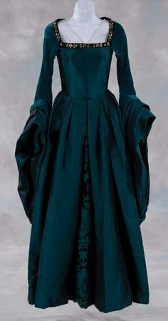 medieval gothic dresses