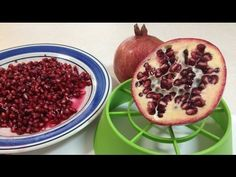 How To De-Seed a Pomegranate (Fast Way)