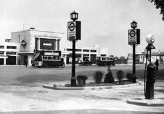 Old London, West London, Sutton Surrey, Old Street, Toot, Wimbledon, Buses, 1930s, Nostalgia