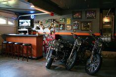50 Garage Paint Ideas For Men - Masculine Wall Colors And Themes Garage Shop, Garage House, Dream Garage, Car Garage, Small Garage, House Bar, Garage Paint, Garage Walls, Garage Bedroom
