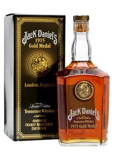 Jack Daniel's - 1915 Gold Medal : The Whisky Exchange Jack Daniels Gold Medal, Jack Daniels Decor, Whisky Jack, Jack Daniel's Tennessee Whiskey, Whiskey Distillery, Strong Drinks, My Bar, Wine And Liquor, Scotch Whiskey