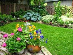 ideas for small flower gardens