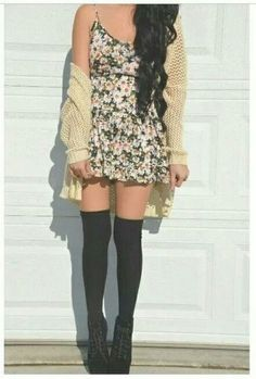 Hipster outfit ^^ - Love it, but take off the socks Grunge Style, Soft Grunge, Grunge Hipster, Hipster Outfits, Hipster Fashion, Cute Fashion, Teen Fashion, Fashion Outfits, Hipster Dress