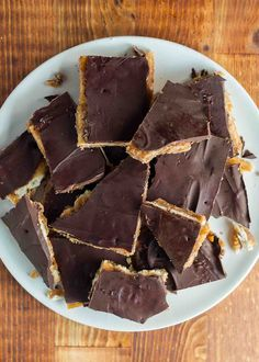 Christmas Crack! Saltine crackers coated with caramel and chocolate. A salty, crunchy holiday treat. What's not to love? #Christmas #Holiday #ChristmasCookie #chocolate