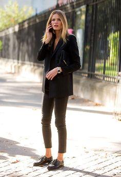 6 truques de styling para o Look de Escritorio All Black, look total preto. #streetstyle