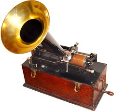The first phonograph was invented in 1877 by Thomas Edison. The point of the phonograph was to project human voices in speeches and songs. Basically, a phonograph was a record player. Old Record Player, Record Players, Radios, Radio Vintage, Thomas Alva Edison, Edison Phonograph, Juke Box, Gramophone Record, Electronic Devices