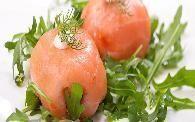 Zalmbonbon op een bedje van rucola Tapas Recipes, Appetizer Recipes, Appetizers, Healthy Cooking, Healthy Recipes, Lemon Crinkle Cookies, Lean Meals, Dutch Recipes, Xmas Food