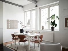 Interior design and apartment inspiration Interior Design Tips, Interior Inspiration, Design Inspiration, Rustic Outdoor Decor, Rustic Kitchen Design, Kitchen Designs, Interior Minimalista, Scandinavian Home, Minimalist Home
