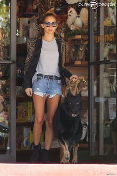 Sunday-Funday in Los Angeles with dog Iro