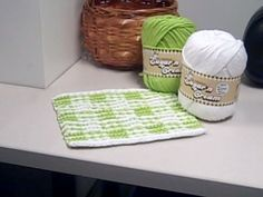 Gingham Checks Illusion dishcloth knitting pattern. My sister would love these.