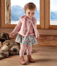 40 Ideas For Baby Girl Fashion Outfits Stylish Baby Girls, Stylish Kids, Trendy Baby, Baby Girl Fashion, Toddler Fashion, Kids Fashion, Baby Clothes Sale, Designer Baby Clothes, Toddler Girl Style