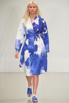 THIS IS PROBABLY A PRINT BUT I LOVE THE COLOR!  Osman Spring 2015 Ready-to-Wear - Collection - Gallery - Look 18 - Style.com
