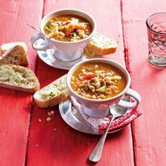 Pittige Italiaanse bonensoep - Deze pittige soep is ook heerlijk als avondmaaltijd.  #recept #soep #JumboSupermarkten