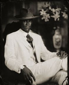 "The traveling exhibit ""Dandy Lion"" presents striking images of dapper men of African descent whose sartorial flair challenges notions of race and masculinity. Vintage Black Glamour, Vintage Men, Fashion Vintage, Vintage Style, Vintage Classics, Vintage Clothing, Vintage Outfits, Vintage Photographs, Vintage Photos"