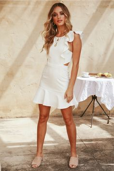 That's why we're hooking you up with the latest trends and fashion with our versatile range of day dresses, catering to every mood. Let us make your day, shop Hello Molly day dresses. Tie Front Dress, Estilo Fashion, Floor Length Dresses, Tube Dress, Sexy Dresses, Mini Dresses, Club Dresses, Dance Dresses, Party Dresses