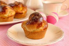 """Egy nap és itt a húsvét. Ma délután elindulunk  a """"családozós"""" körútra. :) Gondoltam, hogy készítek egy kis meglepetést az o... Brie, French Toast, Muffin, Egy Nap, Breakfast, Recipes, Food, Morning Coffee, Recipies"""
