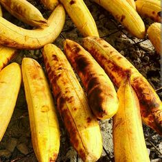 Roasted plantain Nigerian Food, Home Food, Carrots, Sausage, Banana, African, Meat, Fruit, Recipes